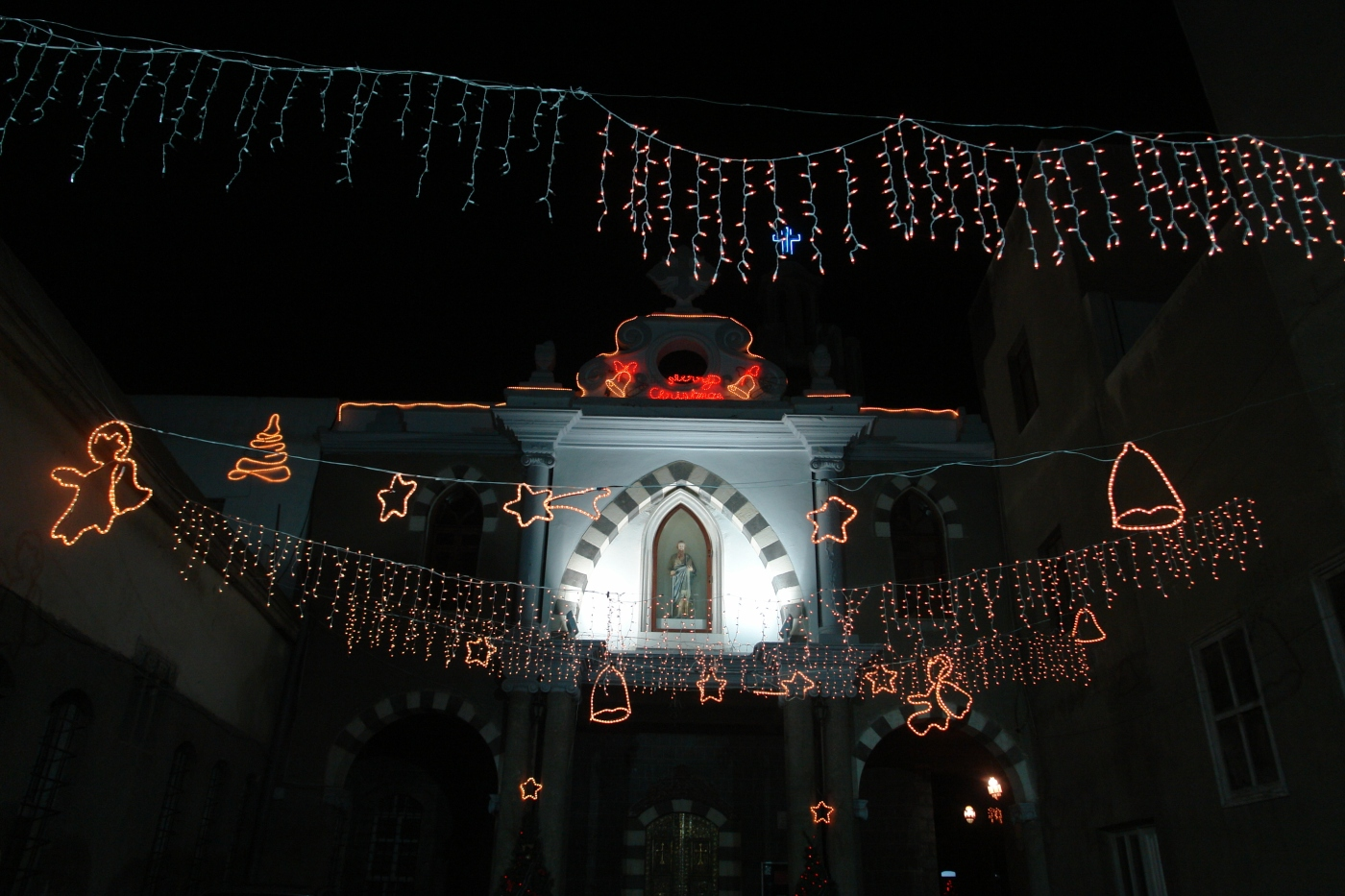Christmas in Syria. PHOTO: Charles Roffey, shared on Flickr under CC BY-NC-SA 2.0
